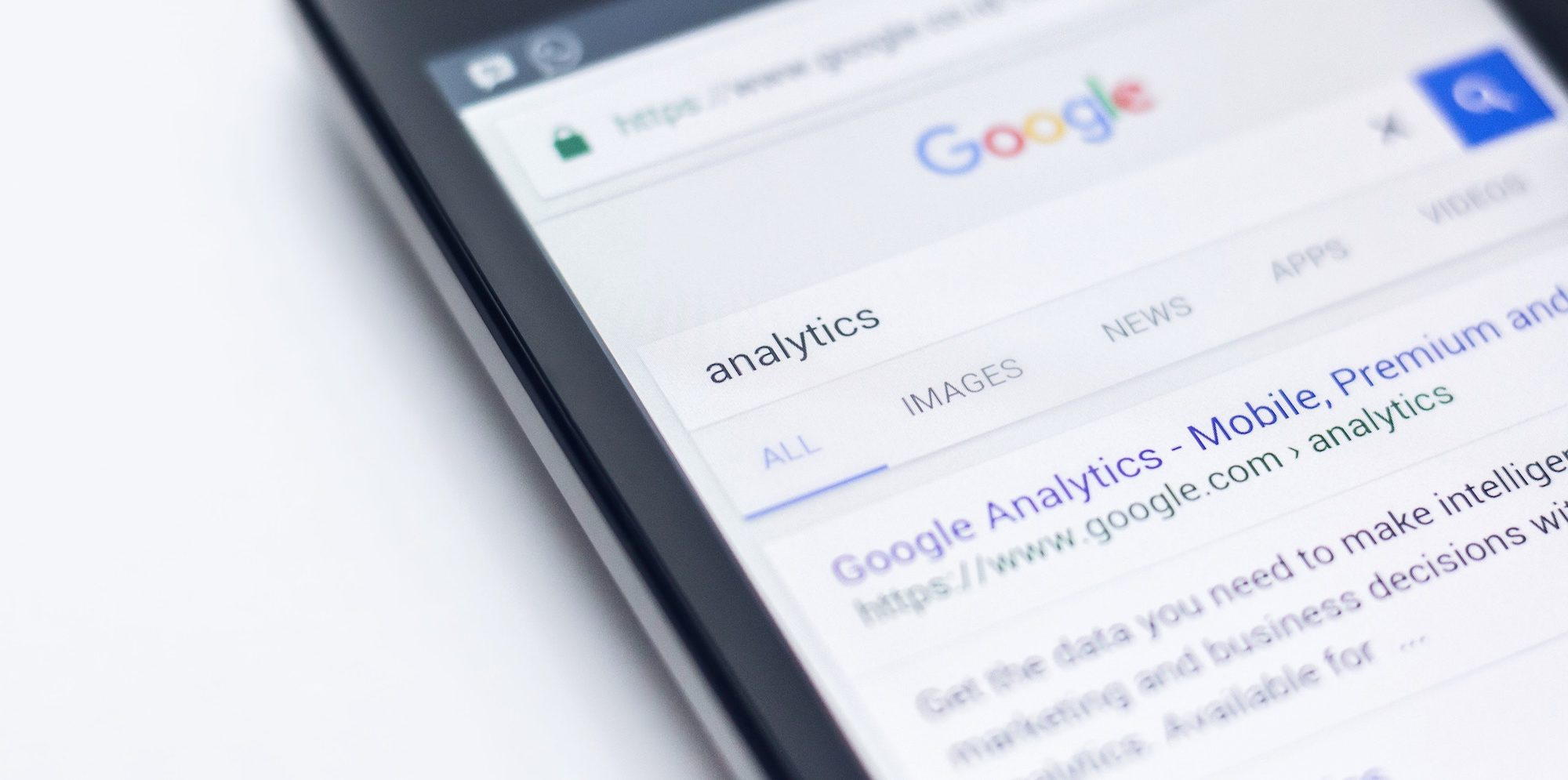 Where Does Google Analytics Fit Into Your Social Media Strategy?