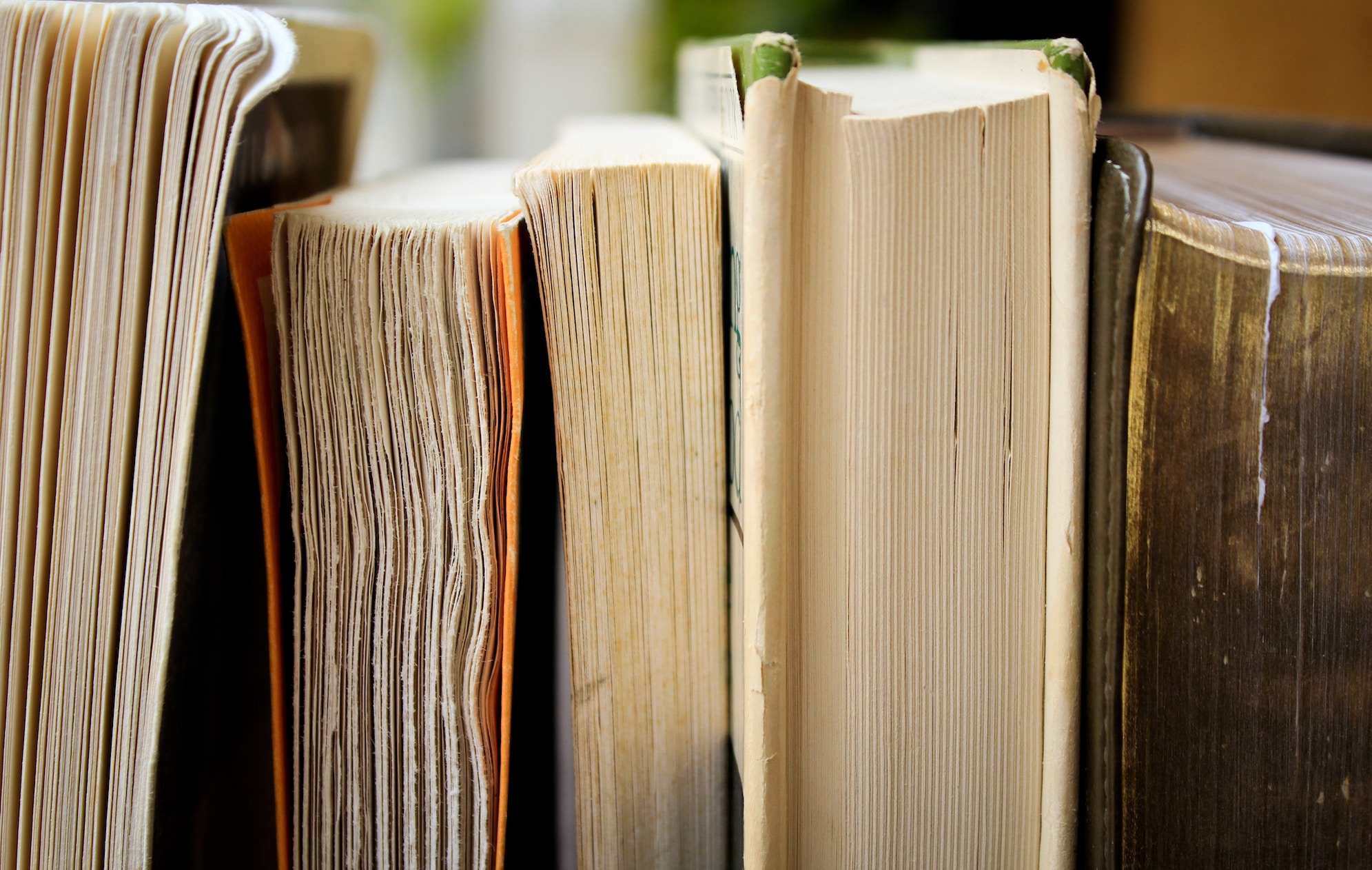 7 Quick Reads to Help B2B Marketers Stay Sharp at Work
